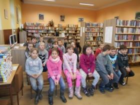 Třeťáci v knihovně