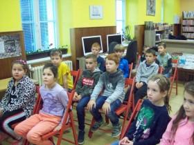 Druháci navštívili knihovnu