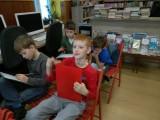 Fotogalerie Druhá třída v knihovně, foto č. 8