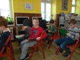 Fotogalerie Druhá třída v knihovně, foto č. 6