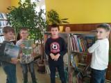 Fotogalerie Druhá třída v knihovně, foto č. 4